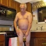 My daddy drinks pee