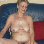Horny wives exposing