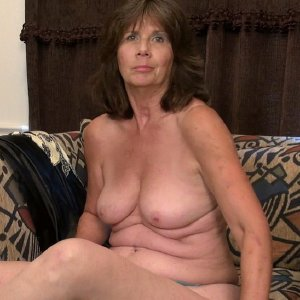 Hot wife nude photos