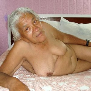 Extremely old latina