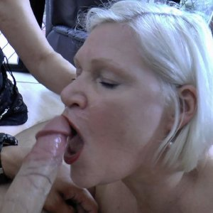 Well aged mom fucked