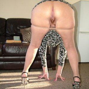 Curvy granny strips