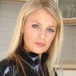 Latex Milf Danielle