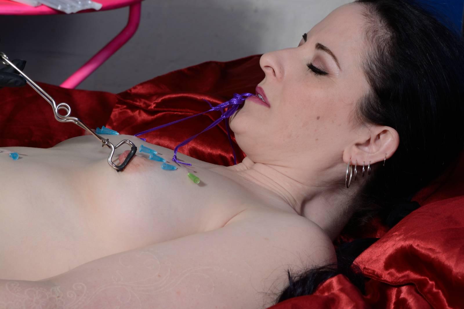 Enslaved Caroline Pierce lesbian BDSM
