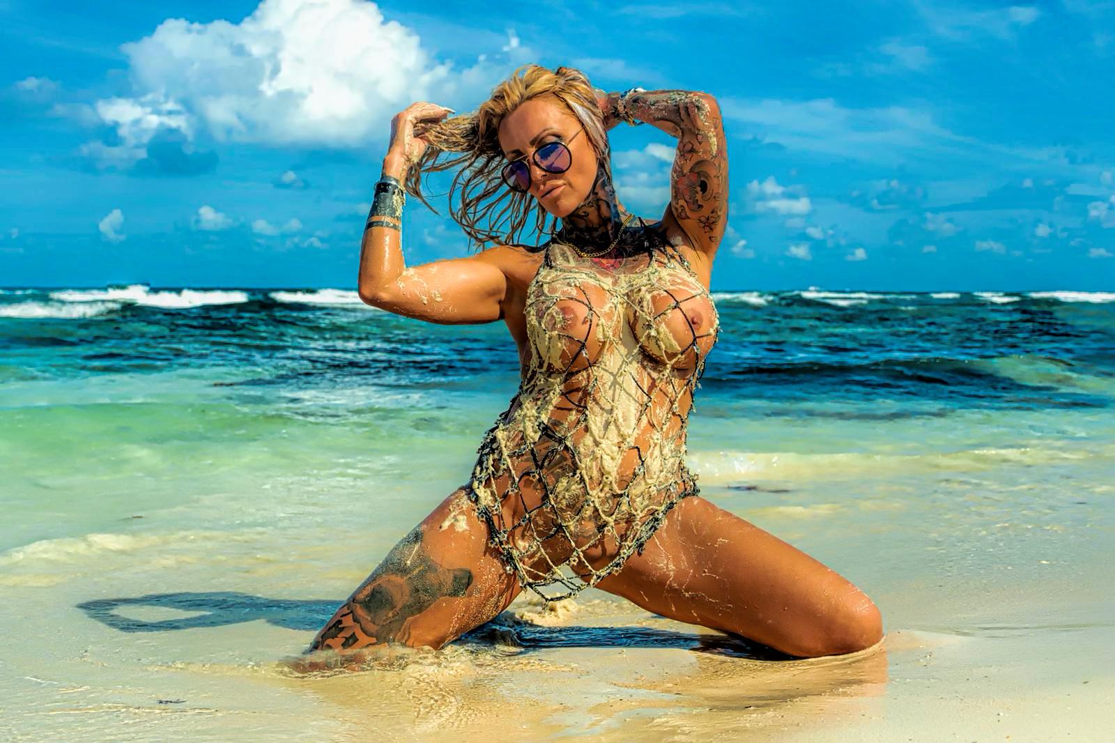 Kada Love – Germany's hottest Tattoo MILF